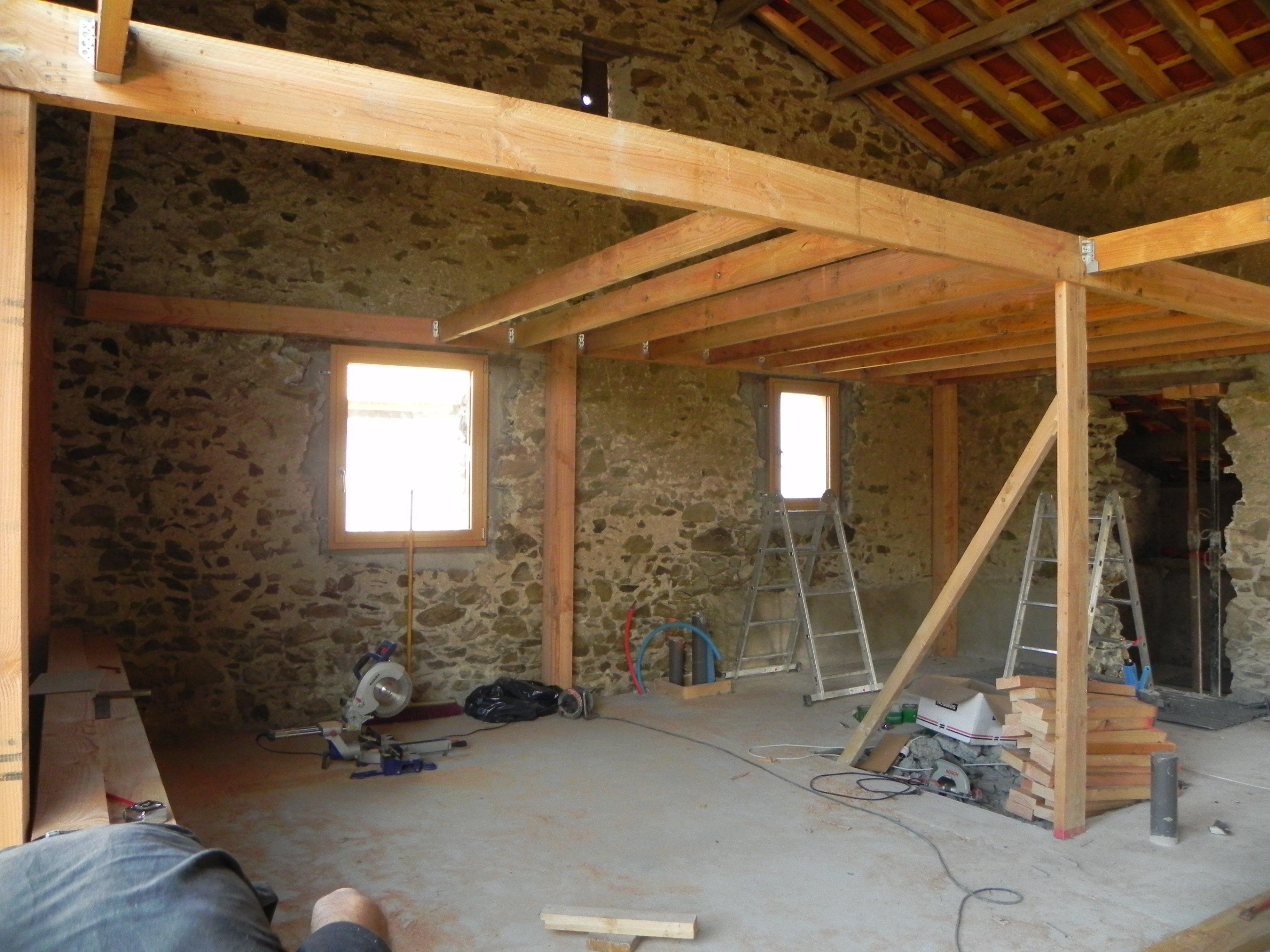 abracadabra et notre grange se transformera en maison oo. Black Bedroom Furniture Sets. Home Design Ideas